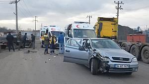 Ehliyetsiz Sürücü Kazaya Neden Oldu, 3 Yaralı