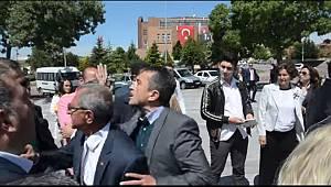 AKP İle CHP Arasında Çelenk Krizi