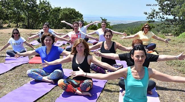İstanbul'dan Yoga Yapmak İçin Geldiler