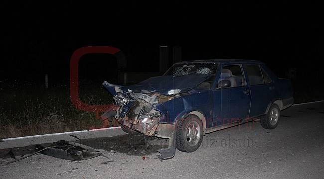 Otomobil Traktöre Çarptı, 1 Yaralı
