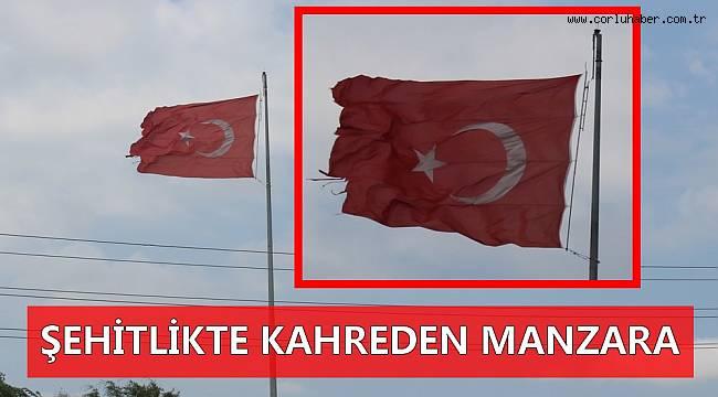 Şehitlerimiz Yırtık Bayrak Altında Anıldı