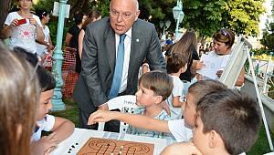 Başkan Eşkinat Zekâ Oyunları Şenliğini Ziyaret Etti