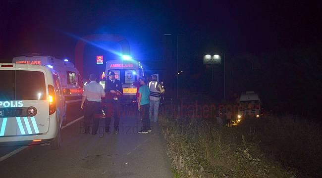 Lastiği Patlayan Minibüs Şarampole Uçtu, 5'i Ağır 15 Yaralı