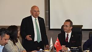 CHP Genel Başkan Yardımcısı Bülent Tezcan Başkan Eşkinat'ı ziyaret etti