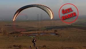 Çorlu'da Yamaç Paraşütü Keyfi