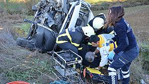 Minibüs Takla Attı, 1'i Ağır 4 Yaralı