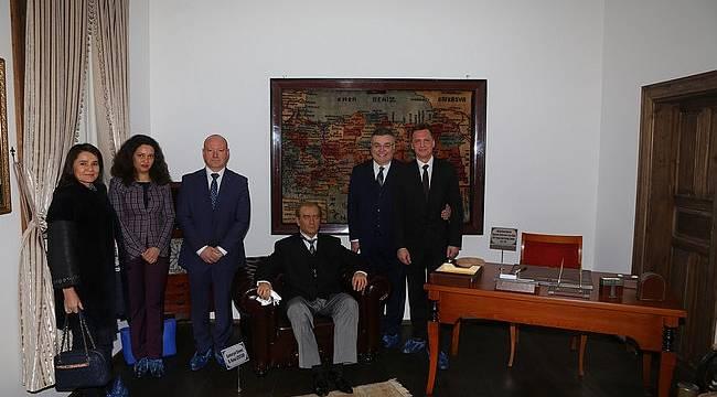 Bulgar Heyet Atatürk Evi'ne Hayran Kaldı