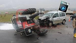 Hafif Ticari Araçla Traktör Çarpıştı, 1 Yaralı