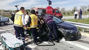 Otomobiller Çarpıştı, 1 Ölü 5 Yaralı