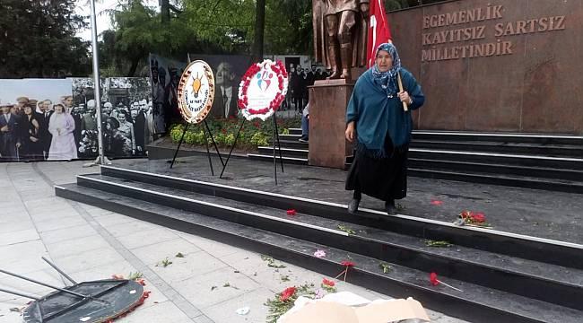 HDP Çelengini Parçaladı Hırsını Alamayarak CHP Çelengini Devirdi