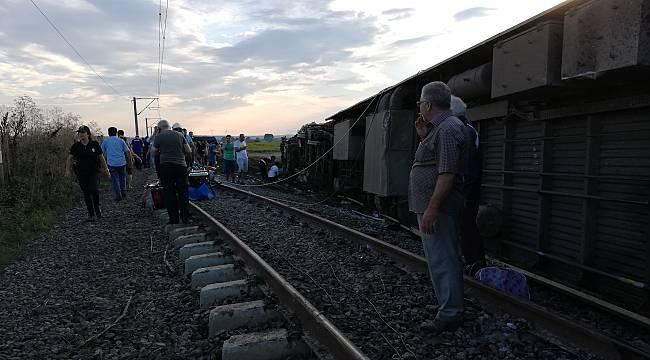 Çorlu'da Yolcu Treni Devrildi, Çok Sayıda Ölü ve Yaralı var