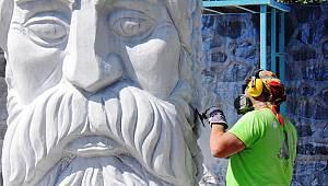 """4. Bisanthe Uluslararası Taş Heykel Sempozyumu: """"Baküs"""""""