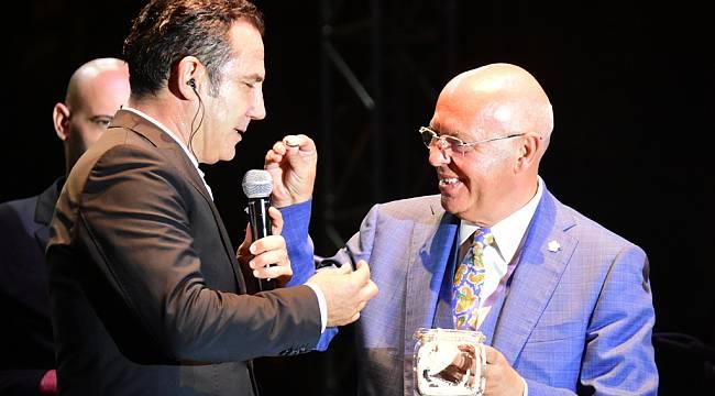 Festivalin kapanışında Ferhat Göçer Süleymanpaşa'yı Salladı