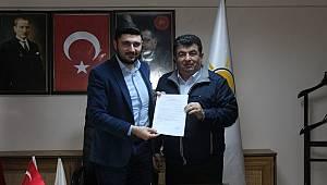 CHP'li Başkan Yardımcısı AK Parti'ye Geçti