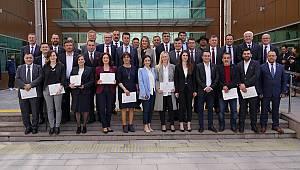 Başkan Sarıkurt ve Belediye Meclis Üyeleri Mazbatalarını Aldı