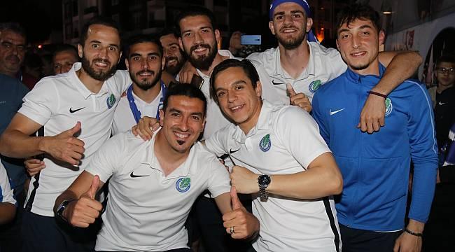 Ergene Velimeşespor Şampiyonluğunu Taraftarları İle Kutladı