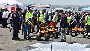 Trafik Haftası Etkinliklerinde Büyükşehir Standı Büyük İlgi Gördü