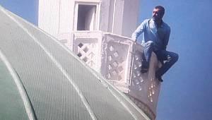 Minarede İntihar Girişimi