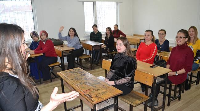 Lüleburgaz'da Çocuk Bakım Elemanı Kursu Açıldı