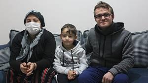 Anne ve Babasını Kaybettiği Hastalıkla Mücadele Ediyor