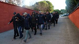 Balıkesir'de DEAŞ Operasyonunda 11 Şüpheli Yakalandı