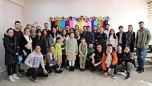 Görme Engelli Gençlerin Dünyası Gönüllülerle Aydınlandı