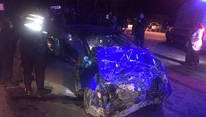 Otomobil Panelvan Araçla Çarpıştı, 9 Yaralı