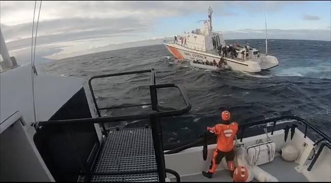 Sahil Güvenlik, Göçmeni Botları Batmadan Kurtardı