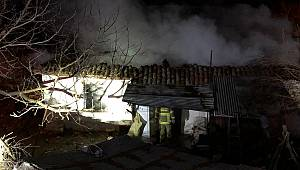Yaşlı Adam Evinde Çıkan Yangında Öldü