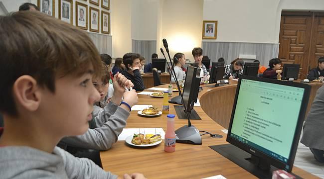 Yeni Yılın İlk Meclis Toplantısını Çocuklar Başlattı