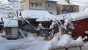 Bilecik'te Kar Yağışı Nedeniyle 70 Köye Ulaşım Sağlanamıyor
