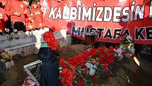 Futbolcular Kupayı Alıp Ölen Başkanlarının Mezarına Gitti