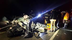Belediye Otobüsü İle Otomobilin Çarpıştı, 1 Ölü 5 Yaralandı