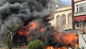 Çanakkale'de İş Yeri Yangını Hasara neden oldu
