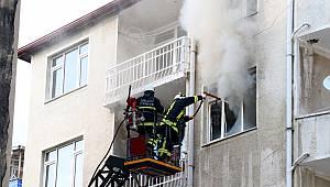 Çıkan Yangın Sonrası Ev Kullanılmaz Hale Geldi