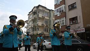 Keşan'da Bando Takımı Sokakta Marşlar Çaldı