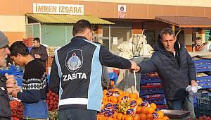Keşan'da Pazarda Tezgah Açan Esnafa Maske ve Eldiven Dağıtıldı