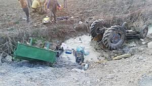 Sakarya'da Traktör Dereye Devrildi: 3 Yaralı