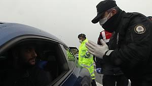 Sürücülerin Tek Tek Ateşleri Ölçüldü Evde Kalmaları Konusunda Uyarıldı