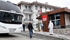 Tır Şoförleri Sakarya'da Öğrenci Yurduna Yerleştirildi