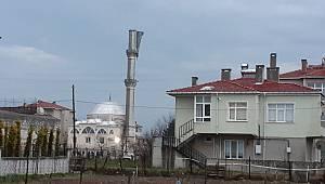 Tekirdağ'da Şiddetli Fırtına Cami Minaresini Yıktı