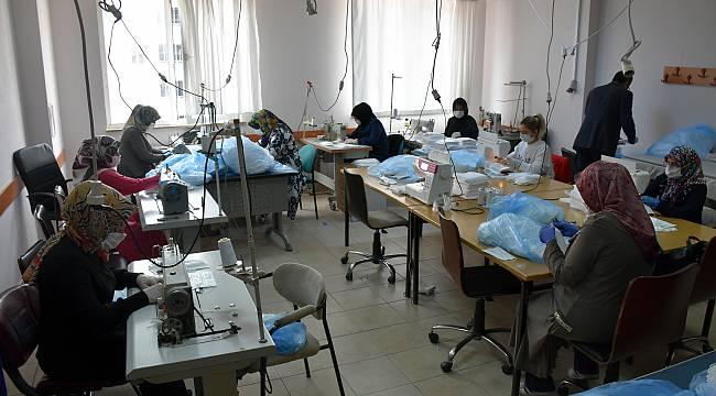 Bilecik'te Gönüllü Kursiyerlerden Maske Üretim Seferberliğine Destek