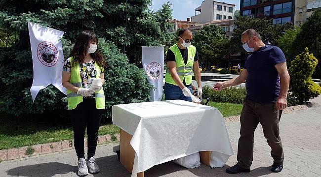 Maske Takma Zorunluluğunun Getirildiği Kırklareli'nde 30 Bin Maske Dağıtıldı