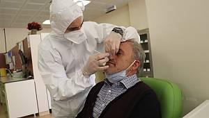 Yalova'da Kuaför, Berber ve Güzellik Salonlarının Çalışanlarına Koronavirüs Testi Yapıldı
