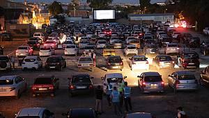"""""""Arabalı Sinema Gecesi"""" İle Sinema Keyfi Arabalara Taşındı"""