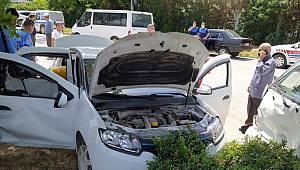 Otomobille Kamyonet Çarpıştı, 1 Ölü, 6 Yaralı