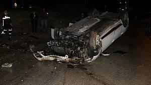 Trafik ışıklarına Çarpan Otomobil Takla Attı, 1 Yaralı