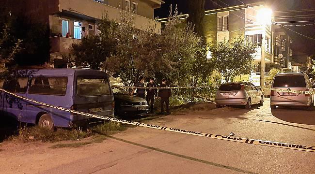 Balıkesir'de Silahlı ve Bıçaklı Kavga: 1'i Polis 3 Yaralı