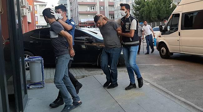 Kocaeli'de Araçtan Kapkaçla Para Çalan 6 Zanlı Tutuklandı