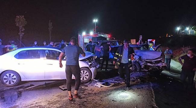 Otomobiller Çarpıştı, 6 Yaralı